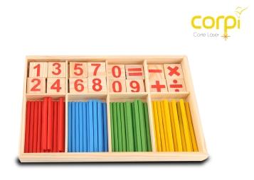 Kit en MDF para aprender sumas, restas, multiplicaciones y divisiones.